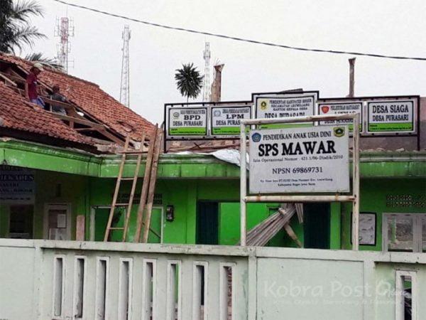 Aula Kantor Desa Purasari Ambruk Diterpa Hujan Angin