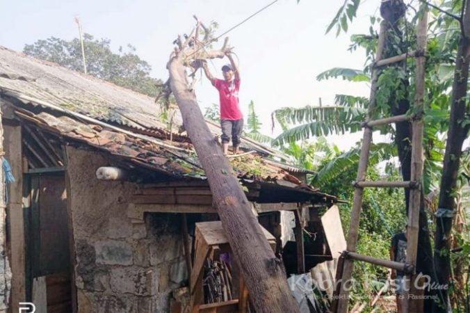 Hujan Angin, 6 Rumah Warga Kencana Rusak