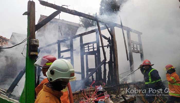 Akibat Korsleting Listrik, 1 Unit Rumah Ludes Terbakar