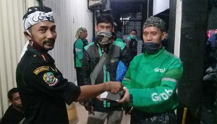 Gibas Resort Kota Bogor Bagikan Takjil
